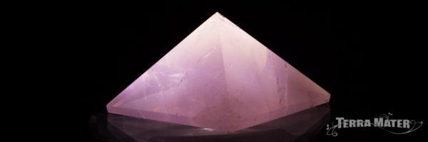 Pyramide de Quartz Rose de Madagascar