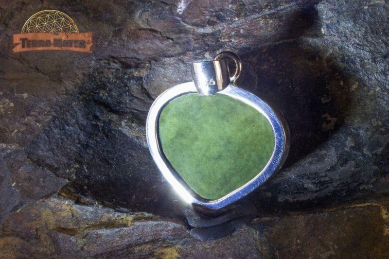 Pendentif cœur en obsidienne Manta Huichol (Mentogochol)