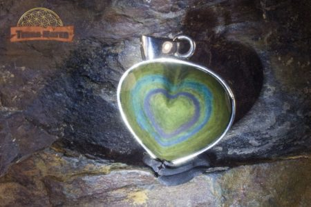 Pendentif coeur Manta Huichol monture argent 925
