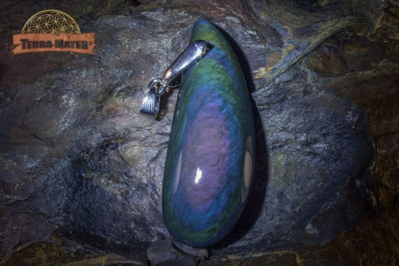 Pendentif en obsidienne Manta Huichol (ou Mentogochol) AAA