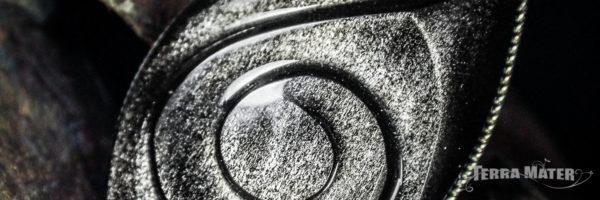 Galet poli d'Obsidienne Argentée du Mexique