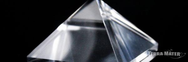 Pyramide de pur cristal de roche naturel de l'Himalaya - Fabrication artisanale