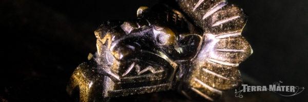 Statuette Quetzacoatl de Teotihuacan en obsidienne dorée