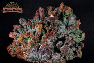 Grand amas de cristaux de quartz entièrement recouverts de malachite et d'azurite