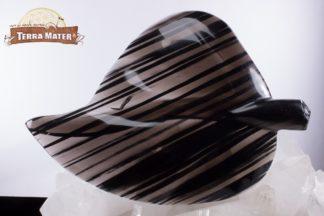 Feuille sculptée en obsidienne d'Arménie