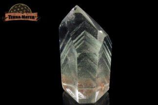 Pointe polie de cristal de roche avec fantômes de chlorite
