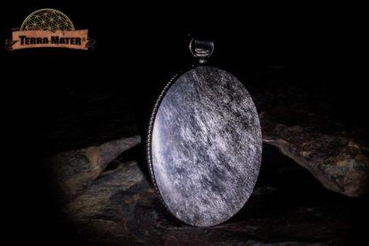 Pendentif yin yang en obsidienne argentée