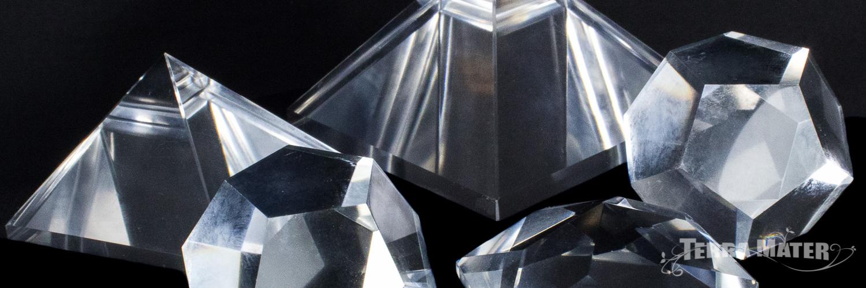 Pyramides-étoile de David-dodécahèdres-Solides de Platon-pur quartz d'Himalaya