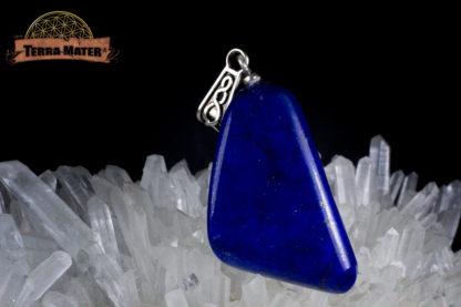 Pendentif triangulaire de lapis lazuli de qualité supérieure